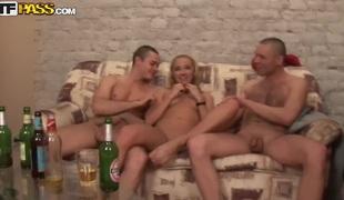 gruppesex tenåring blowjob hardcore russisk