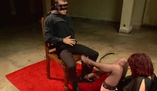 Hypnotizing Foot Worship with Maitresse Madeline