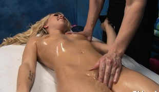 Pretty sexy gets naked for her raunchy massage
