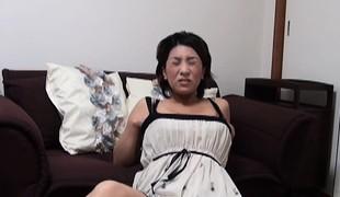 Japanese milf rubs cum-hole