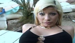 amatør naturlige pupper blonde deepthroat store pupper