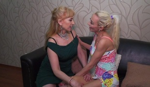 tenåring lesbisk mamma gammel og ung