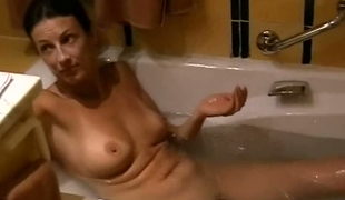 Hornypussy11 - washing my scones