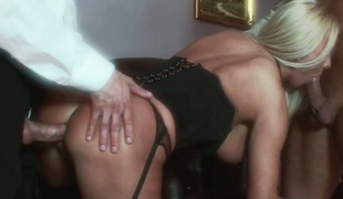 Gorgeous mommy with fake boobs Winnie receives DP in MMF Threesome