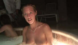 SpringBreakLife Video: Drunk Gals In A Hot Tub