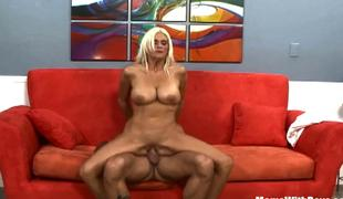 Breasty Golden-haired Mamma Rhyse Richards PickedUp Fucked
