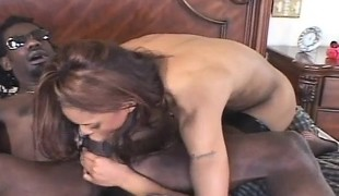 Insatiable ebony nympho Marie Luv relishes an intense anal drilling