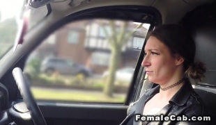 Hawt golden-haired female cab driver bangs in backseat
