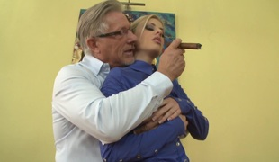 Jessie Volt allows an old guy finger her butt and fuck it ardently