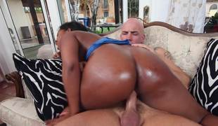 Great interracial scene with hairless dude and gorgeous Ebony