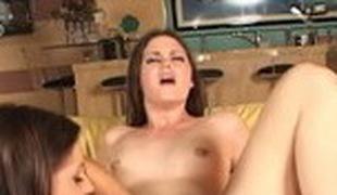 brunette anal blowjob sædsprut facial