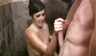 Girl Agrees To Jerk Him Off If He Nuts In Minutes