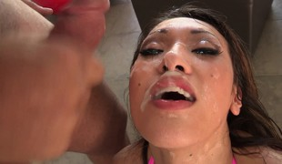 Oral-job queen Jayden Lee does her magic unfathomable mouth on 3 rods