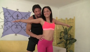 Yoga coach bonks Amara Romani throughout the hole in yoga pants