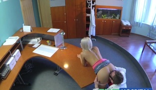 FakeHospital Hawt sexy blonde gets probed and squirts
