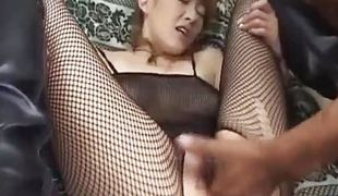Oriental non-professional gets her pussy finger screwed