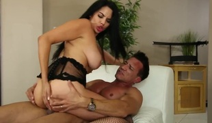 Marco Banderas gets pleasure from fucking Missy Martinez in her sexy face hole