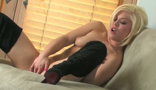 Ash Hollywood with tiny tits and bald pussy masturbates eagerly