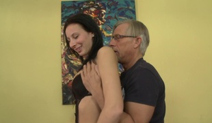 Pornstar with foot fetish can't live without to jerk off her lover with her feet